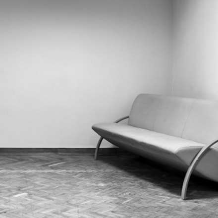 Empty sofa, Fujifilm X-M1, XF27mmF2.8