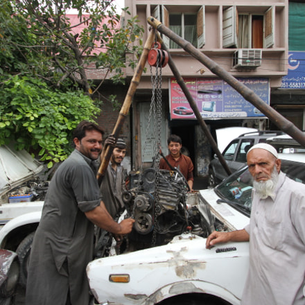 Rawalpindi style car repair, Canon EOS 7D, Canon EF-S 10-22mm f/3.5-4.5 USM