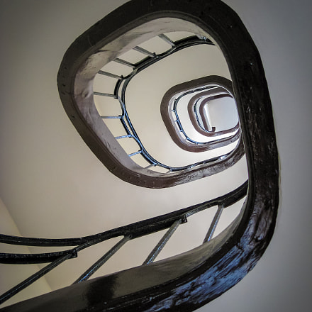 staircase in Paris, Canon POWERSHOT A560