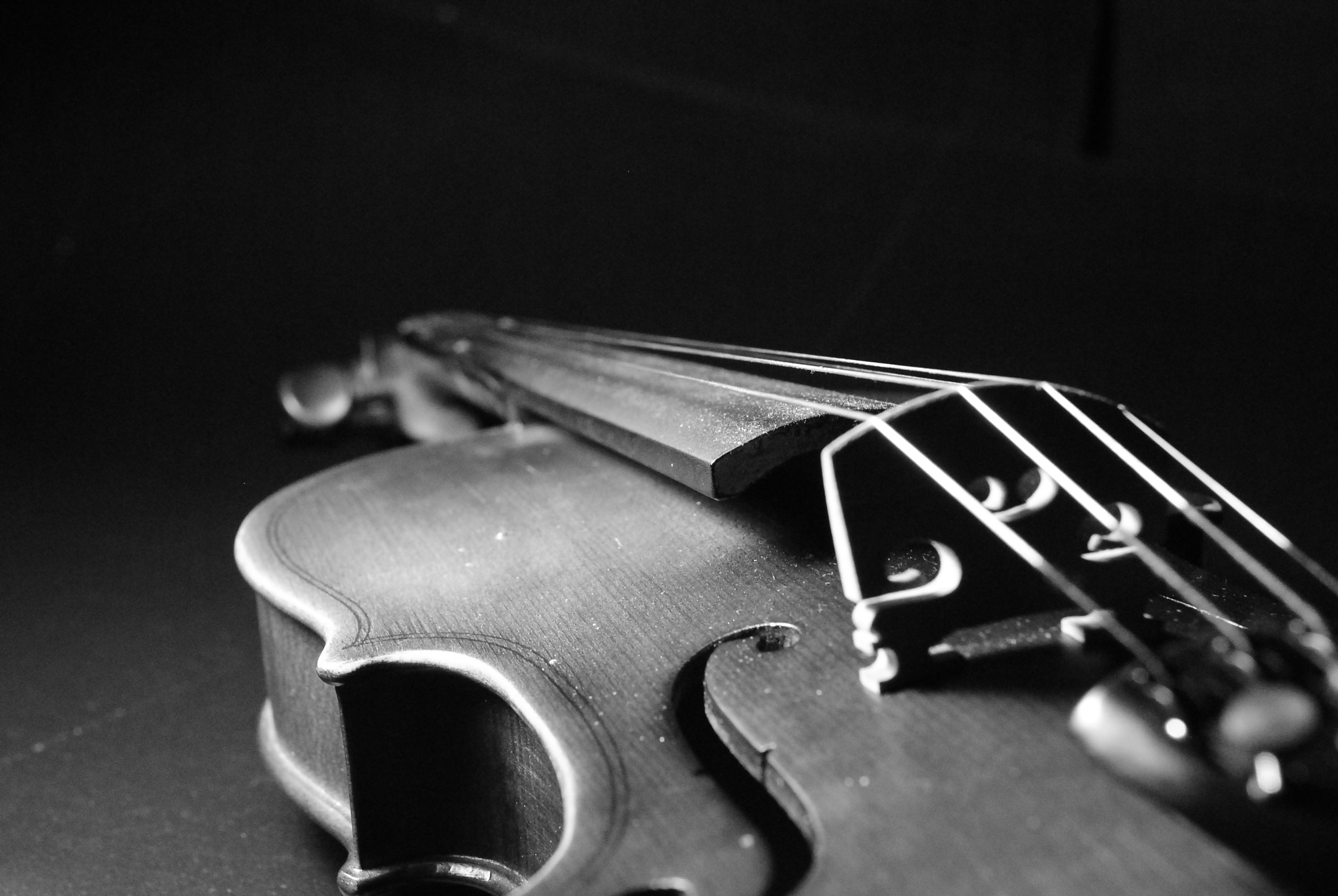 Photograph Violin by Jorge Cardenas on 500px