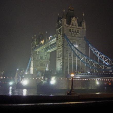tower of London it's, Sony DSC-N2