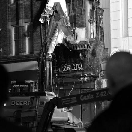 demolition, Nikon D750, AF Zoom-Nikkor 80-200mm f/4.5-5.6D