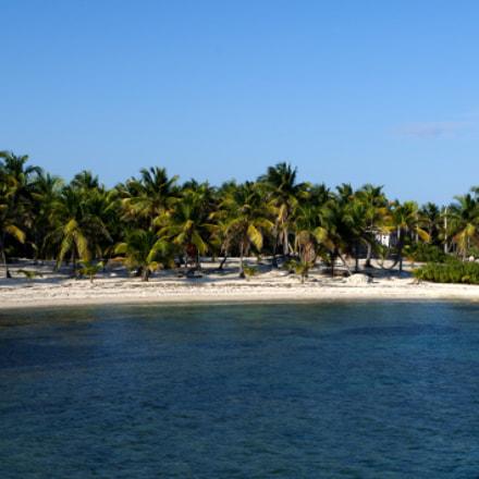 Caribbean beach, RICOH PENTAX K-S2, smc PENTAX-DA L 18-50mm F4-5.6 DC WR RE