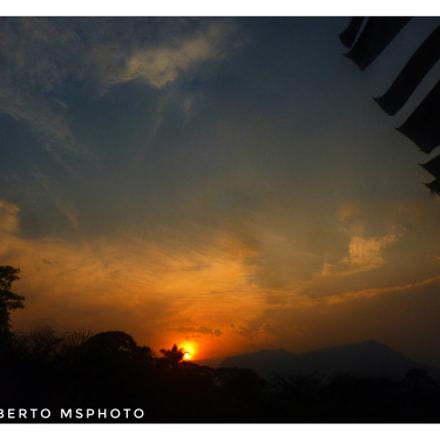 Al caer del sol, Panasonic DMC-S1