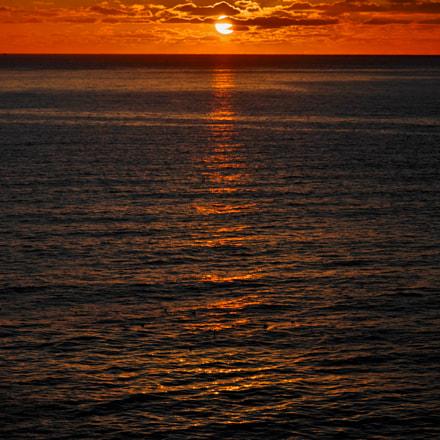 Orange Sunrise, Pentax K-X, smc PENTAX-DA L 50-200mm F4-5.6 ED