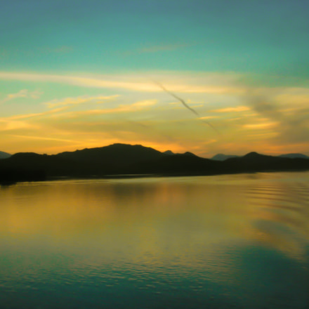 Offshore British Columbia, Nikon E5900