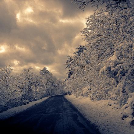 Snow, Nikon E5900