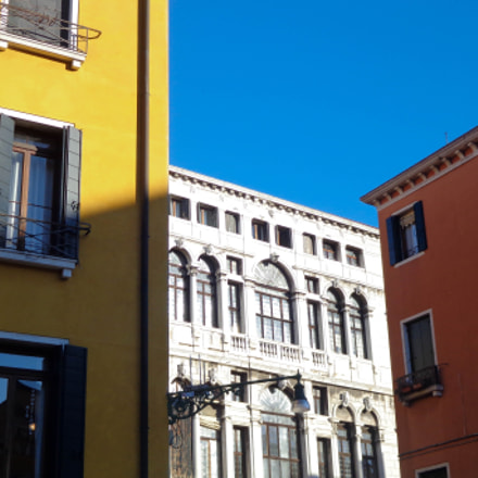 Venice, Sony DSC-W690