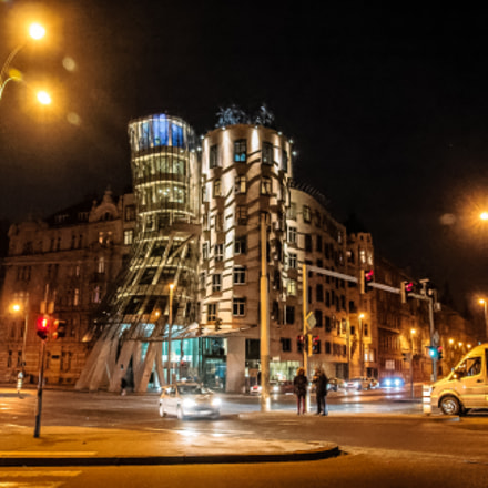 Dancing House, Sony SLT-A99V, Carl Zeiss Vario-Sonnar T* DT 16-80mm F3.5-4.5 ZA (SAL1680Z)