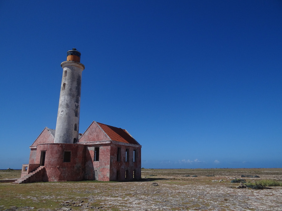 Abandoned lighthouse on Klein Curacao