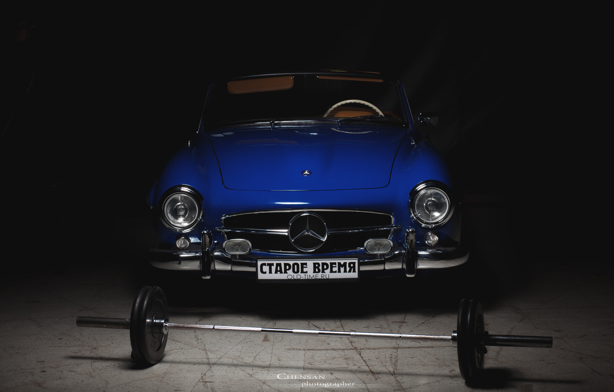 Photograph younger brother . Mercedes-benz SL190 . by Chensan  by  Chensan on 500px