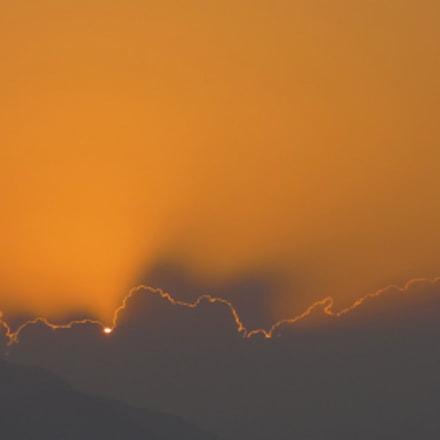 Rim of clouds, Sony DSC-HX9V