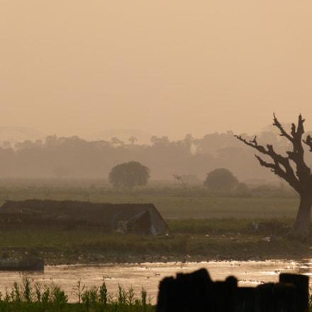Farmhouse in the mist, Panasonic DMC-FZ100