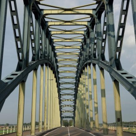 Symmetry bridge, Canon EOS 550D, Canon EF-S 10-22mm f/3.5-4.5 USM