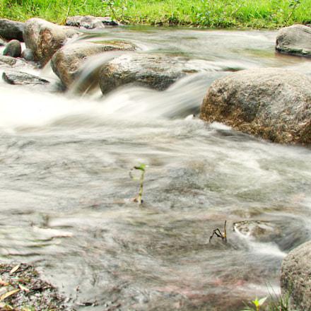 mountain river landscape, Nikon D7100, AF Zoom-Nikkor 35-135mm f/3.5-4.5 N