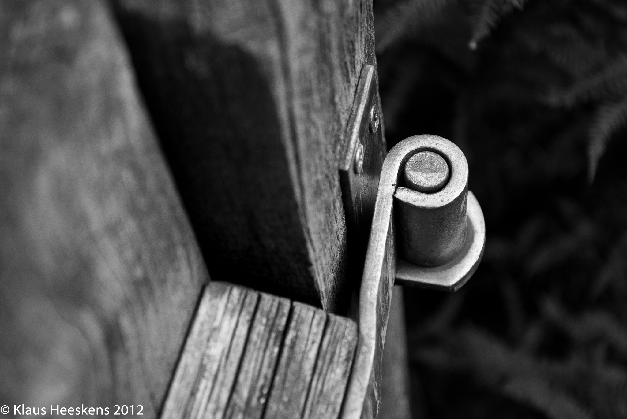 Photograph Hinge by Klaus Heeskens on 500px