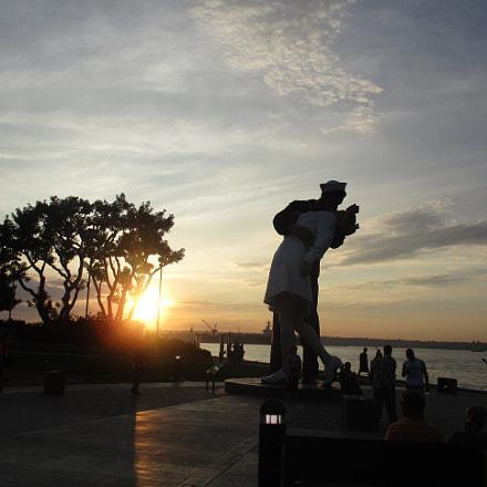 Unconditional Surrender Statue, Canon POWERSHOT ELPH 160