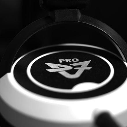 HEADPHONE DJ1PRO, RICOH PENTAX K-70, smc PENTAX-DA 35mm F2.4 AL