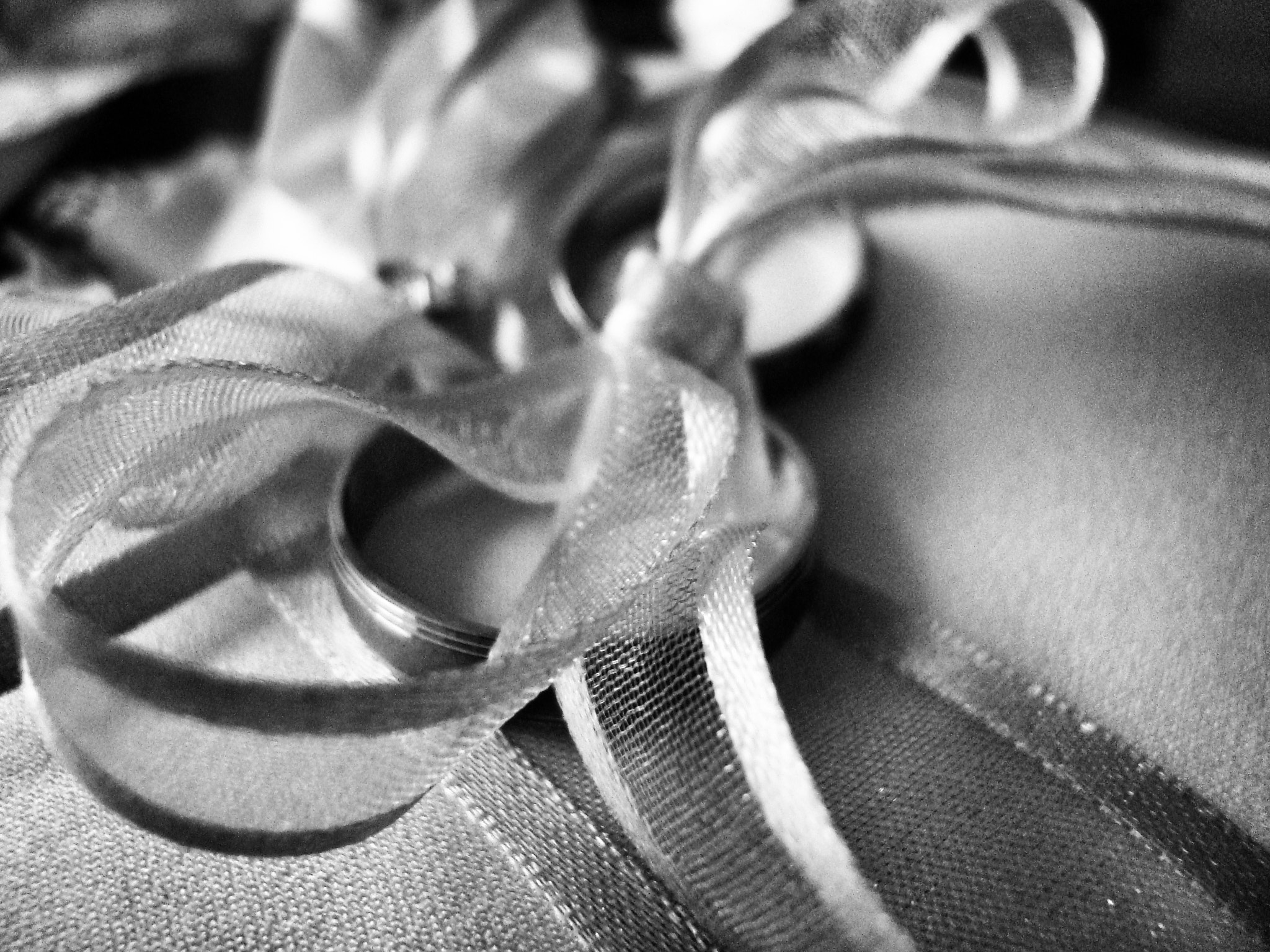 Photograph wedding rings by Marko  Perak on 500px