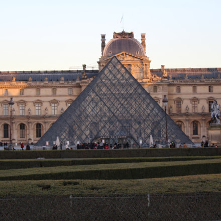 Louvre Museum, Canon EOS 1300D, Canon EF-S 18-55mm f/3.5-5.6 III