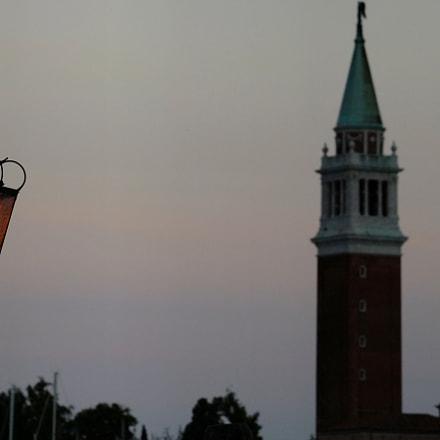 luce sul campanile della, Fujifilm FinePix S200EXR