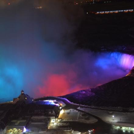 Niagara at night, Nikon D5100, AF-S DX VR Zoom-Nikkor 18-200mm f/3.5-5.6G IF-ED