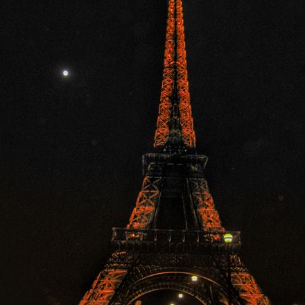 Eiffel Tower on a, Canon POWERSHOT G2