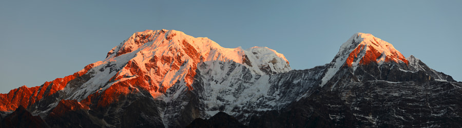 Sunrise over the Annapurna mountain range, автор — Сергей К на 500px.com