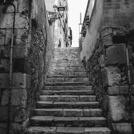 M.G. Stairs of the alleys