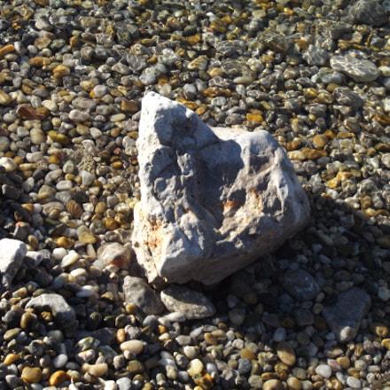 Rock on a beach, Fujifilm FinePix S2950