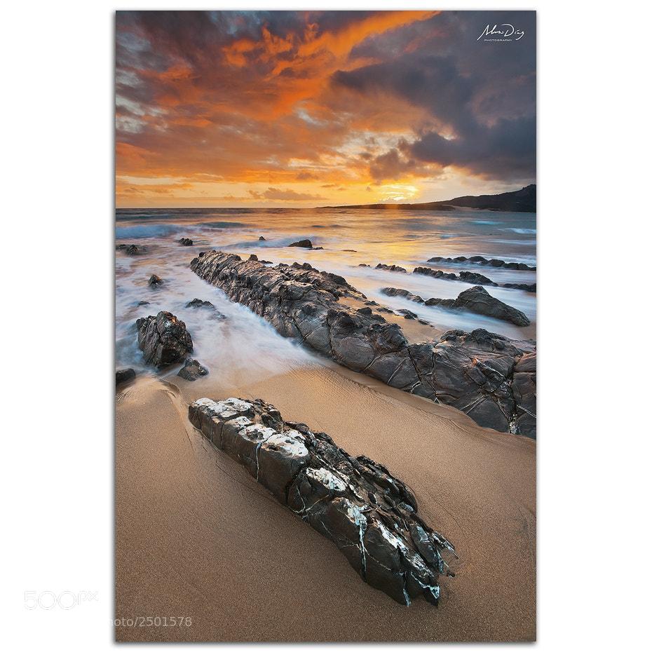 Photograph White stripe rock by Alonso Díaz on 500px