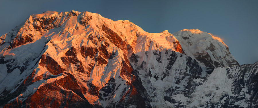 Annapurna mountain range, early morning, автор — Сергей К на 500px.com
