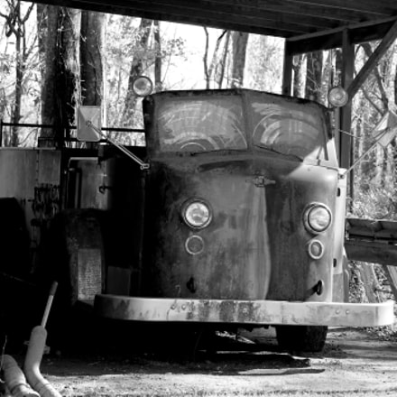 An Old Louisiana Firetruck, Canon EOS REBEL T3, Canon EF-S 55-250mm f/4-5.6 IS II