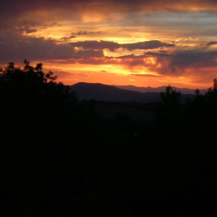 Mountain Sunset, Nikon E4600