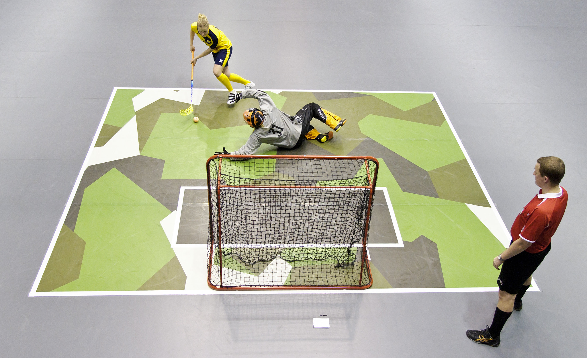 Photograph Floorball, Sweden vs Finland by Jonas Dandanell on 500px