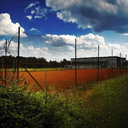 Red tennis court in, Nikon COOLPIX S3300