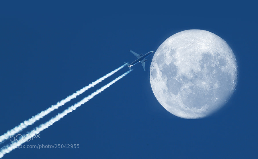 Photograph Moon Flight by Giamma Broilo on 500px