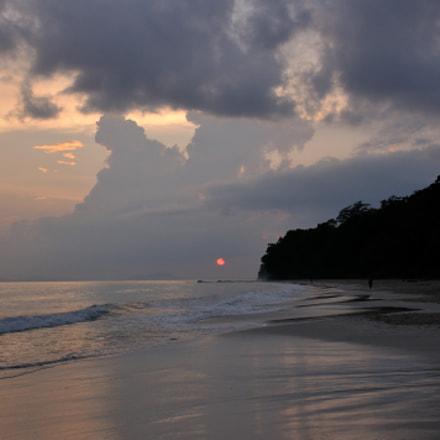 island of perfect sunsets, Nikon D300S, AF-S DX Nikkor 18-140mm f/3.5-5.6G ED VR