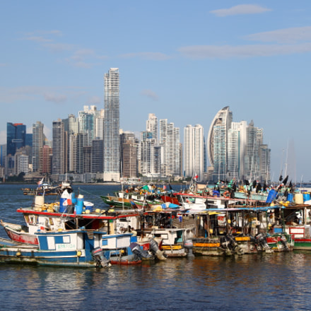 Resting boats at Panama, Canon EOS 70D, Canon EF-S15-85mm f/3.5-5.6 IS USM