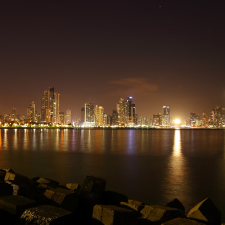Panama Cities night skyline, Canon EOS 70D, Canon EF-S15-85mm f/3.5-5.6 IS USM