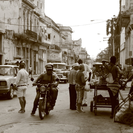 Cuban street market, Canon EOS 70D, Canon EF-S15-85mm f/3.5-5.6 IS USM