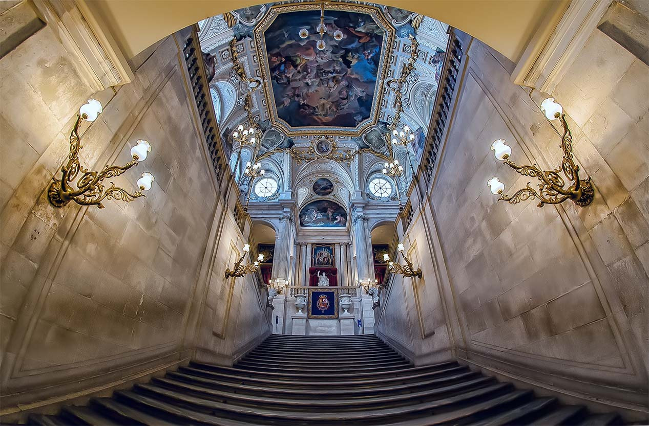 Photograph The Royal Palace by Giuseppe Sapori on 500px