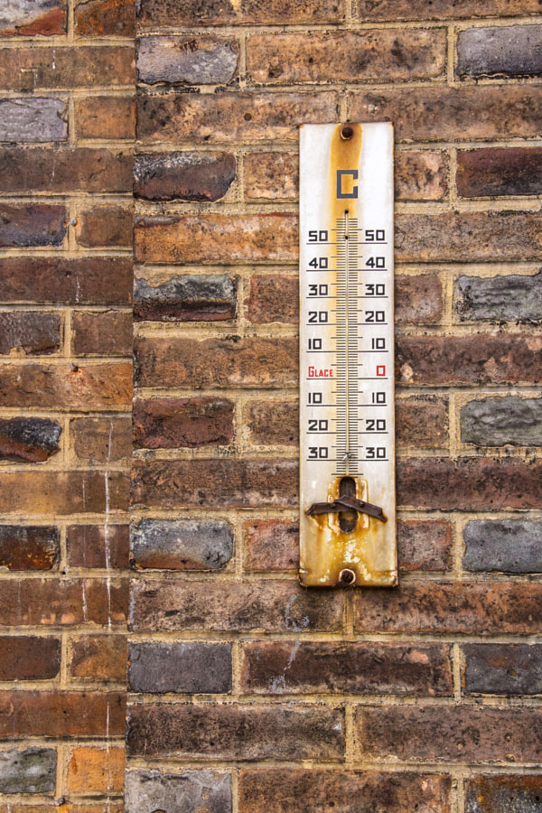 Le thermomètre en grève (Thermometer on strike) de Christine Druesne sur 500px.com