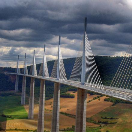 Millau Viaduct, Canon POWERSHOT A85