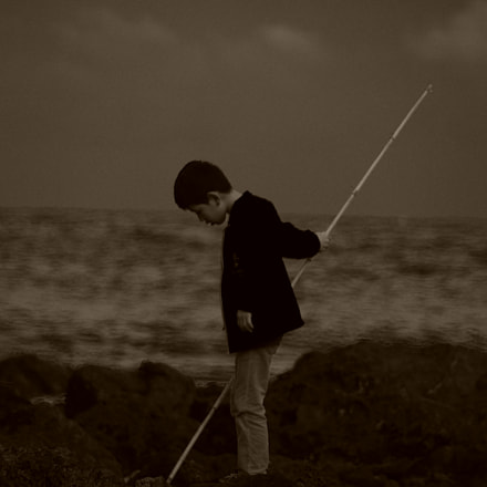 boy and the rod, Pentax K-5 II S, Tamron AF 18-250mm F3.5-6.3 Di II LD Aspherical [IF] Macro