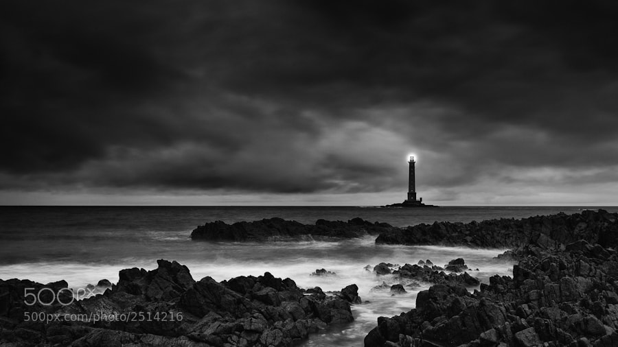 Photograph Goury lighthouse by Guillaume Vigoureux on 500px
