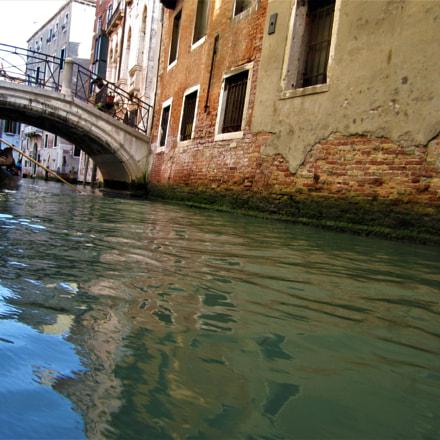 Venetian Canal, Canon POWERSHOT SD1400 IS