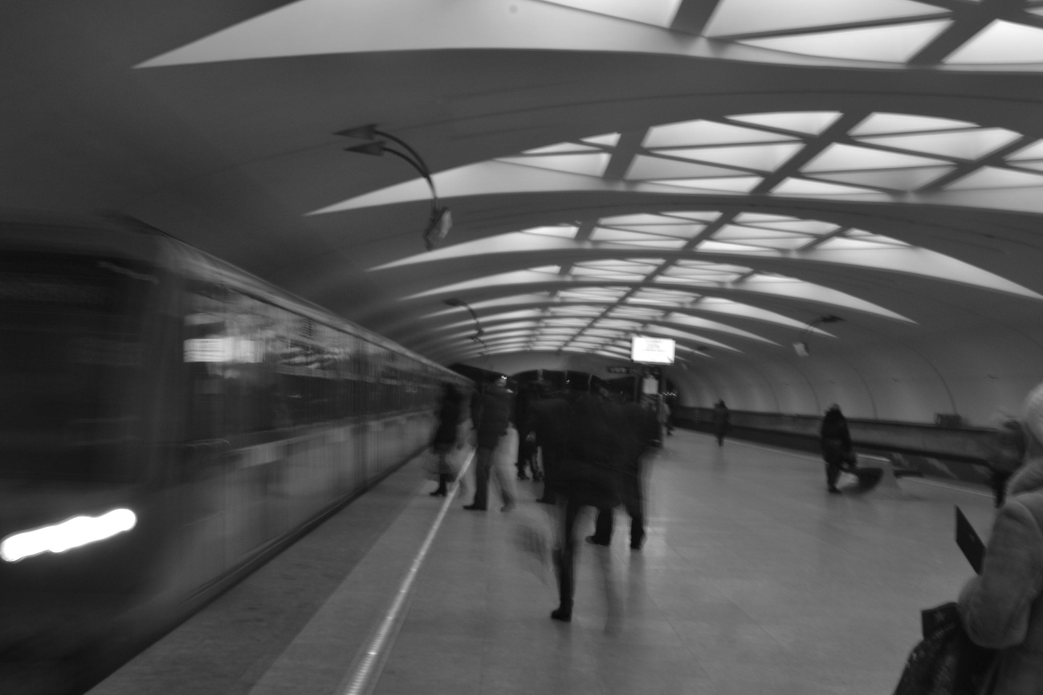 Photograph metro 2 by R. Josue Marrero on 500px