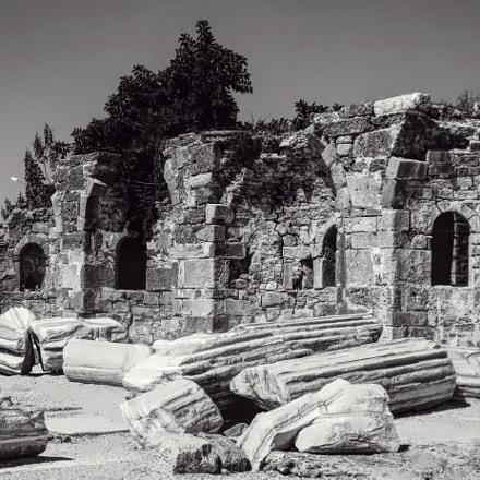 Side ruins, Fujifilm FinePix F50fd