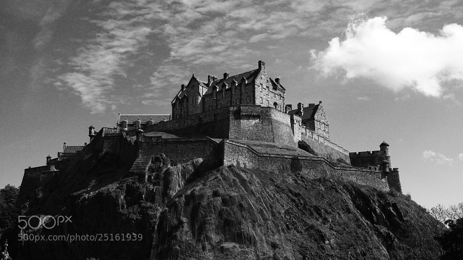 Photograph Edinburgh Castle by CleaLlyfr on 500px